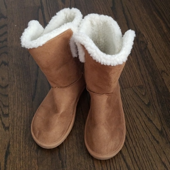 girls fuzzy boots
